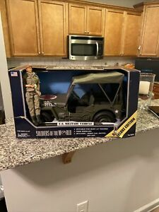 Soldiers of the World U.S. Military Medic Jeep - 1:6 - NEW