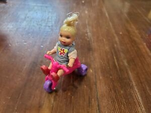 Barbie Happy Family Nikki Toddler Doll 2003 w/ Outfit and Trike