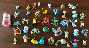 Lot of 40 Pokemon Vintage Nintendo Figures Toys Pikachu