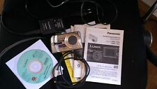 Panasonic LUMIX DMC-TZ3 7,2 MP Digitalkamera Silber(Display-Aussetzer)+Zub.paket