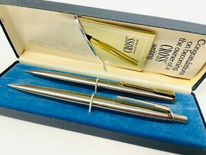 PARKER - COLLECTABLE STAINLESS STEEL BALLPOINT/BYRO PEN & PENCIL IN CROSS CASE