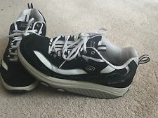 SKECHERS Shape Ups Shoes Tone Woman Ladies 9 Black White Athletic Walking