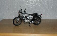 Minichamps Escala 1.12 magníficamente detallada Honda CB 1968 Bicicleta de modelo 750 # 86 Plata