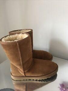 Ugg Australia Boots Size 3.5  Uk Chestnut Short Good  Condition
