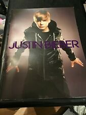 JUSTIN BIEBER CONCERT TOUR PROGRAM, COLLECTABLE   Young BIEBER  30 PAGES