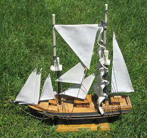 """Vintage Wooden Ship~15""""X16""""~*BLUE NOSE*~Nicely Detailed~Beautiful Mantle Replica"""