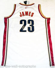 LEBRON JAMES CLEVELAND CAVALIERS HAND SIGNED AUTOGRAPHED AUTHENTIC JERSEY! PROOF