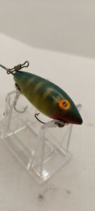 OLD LURE VINTAGE  BOMBER GREEN/GOLD/WHITE WITH RED , SUPER BAIT FOR FISHING.