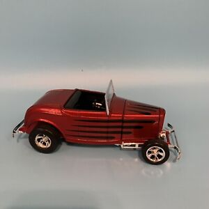 Racing Champions Hot Rod Magazine '32 Ford Highboy Roadster Red 1:24 1/24 w box