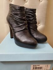 Cynthia Rowley black leather ankle booties size 8