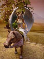 Schleich Elfe auf Pferd mit Vogel, Surah 70416 Bayala
