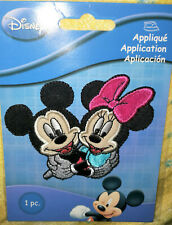 @DISNEY MICKEY & MINNIE MOUSE HUGGING EMBROIDERED IRON-ON/SEW APPLIQUE/PATCH@NIP