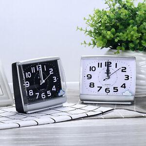 Quarz Wecker Analog Tischuhr Alarmwecker Uhren Alarm ohne Ticken Nachtlicht DHL