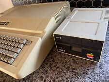 Vintage Apple 2e Computer With 1 Disc Drives Untested!!