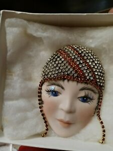 BEAUTIFUL FLAPPER LADY HEAD FACE PIN *REAL*Porcelain