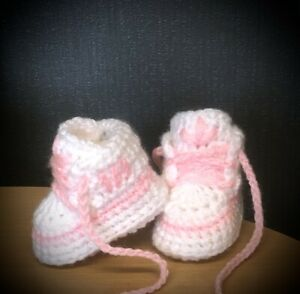 HANDMADE CROCHET BABY FIRST SHOES WOOL CASUAL BOOTS TRAINERS SLIPPERS