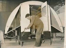 PARIS c. 1954 - Salon Inventeur Drôle de Roulotte Porte de Versailles - PR 947
