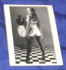 ERIC KROLL Postkarte EROTIK Ak Fetisch BEAUTIFUL CAMILLA Nylons HIGH HEELS sexy