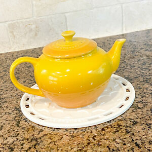 Le Creuset Yellow Traditional Teapot with Infuser