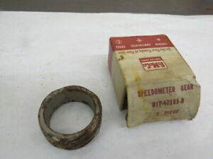 NOS 1942-52 Ford TRUCK speedometer drive gear 01T-17285-B   C-6-6