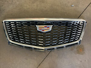 New Takeoff GM OEM Cadillac XT5 2020-2021 Front Mesh Grille nice w-surround view
