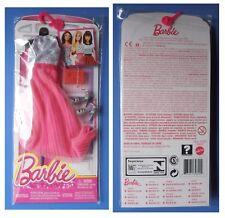 Barbie CFX92 DNV27, vestito rosa e grigio argento scarpe borsa borsetta