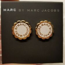 MARC BY MARC JACOBS SCALLOPED DISC-O STUD EARRINGS LOGO GOLD TALC NEW! READ! $60