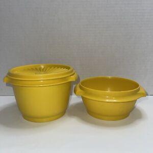 Set Of 2 Vintage Tupperware #886 & 1323 Servalier  Harvest Yellow Bowls W/lid