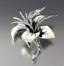 VINTAGE 60'S WHITE CRYSTAL GLASS RHINESTONE & ENAMEL FLOWER POWER PIN BROOCH