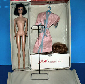 Midge Brunette in Midge Case with Some Clothes & Black Wire Stand