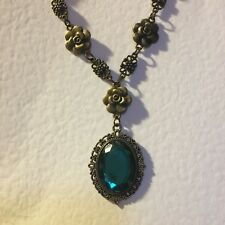 VICTORIAN STYLE TEAL GREEN ACRYLIC DARK GOLD PLATED CAMELLIA PENDANT NECKLACE DC