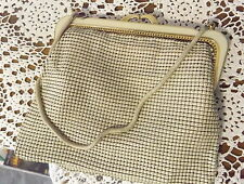 Lovely VINTAGE 70s Cream Park Lane Metal MESH Glomesh STYLE Purse CLUTCH Bag