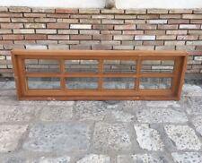 vecchia Finestra in legno massello massiccio riquadrata bugnata con vetri molati