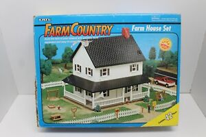 ERTL 1/64 Scale Farm Country Farm House Building Set with Box - Incomplete  1993