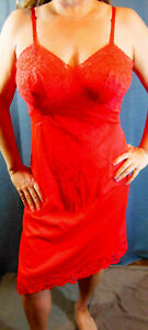 GLAMOUROUS 1960s VANITY FAIR VINTAGE RED MEGA-LACY SATINY NYLON FULL SLIP 36 EVC