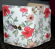 Lady's flowered billfold wallet from Kohl's