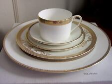 Vera Wang Wedgwood Vera Lace Gold Five (5) Piece Place Setting(s) - New In Box!