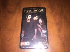 New sealed in plastic- Twilight Saga New Moon The Movie Card Game  NEW