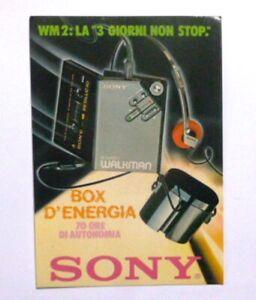VECCHIA CARTOLINA ADESIVO / Old Postcard Sticker SONY WALKMAN RADIO (cm10 x 15)