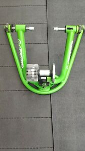 Kinetic Rock and Roll Smart 2 - SMART TURBO TRAINER ZWIFT COMP, fantastic cond!