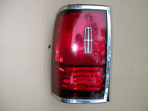1990-91-92 LINCOLN TOWN CAR - OEM LEFT DRIVER TAIL LIGHT