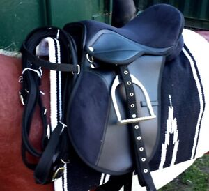 All purpose saddle Black and Pink fully mounted