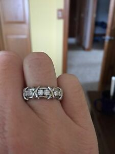 Tiffany Authentic Schlumberger Diamond and Platinum Ring Size 5.25