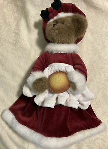 Bearington Bear 2004 Mrs. Claus Christmas Pie Collectible Series Retired W Stand