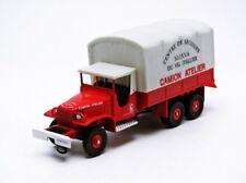 Véhicules de pompiers miniatures rouges en plastique