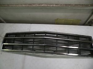1986-1991 FSJ JEEP GRAND WAGONEER OEM CENTER PLASTIC CHROME GRILLE GRILL INSERT