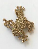 Vintage  Frog Brooch in gold tone metal
