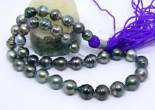 Gioielli e gemme di perla naturale grigio