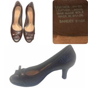 Nurture Sandee Women's Peep Toe Embossed Brown Leather Heel Pumps• Size 8.5M•NEW