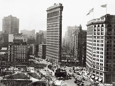 VINTAGE ART PRINT - The Flatiron Building NYC 1916 New York City Poster 24x32